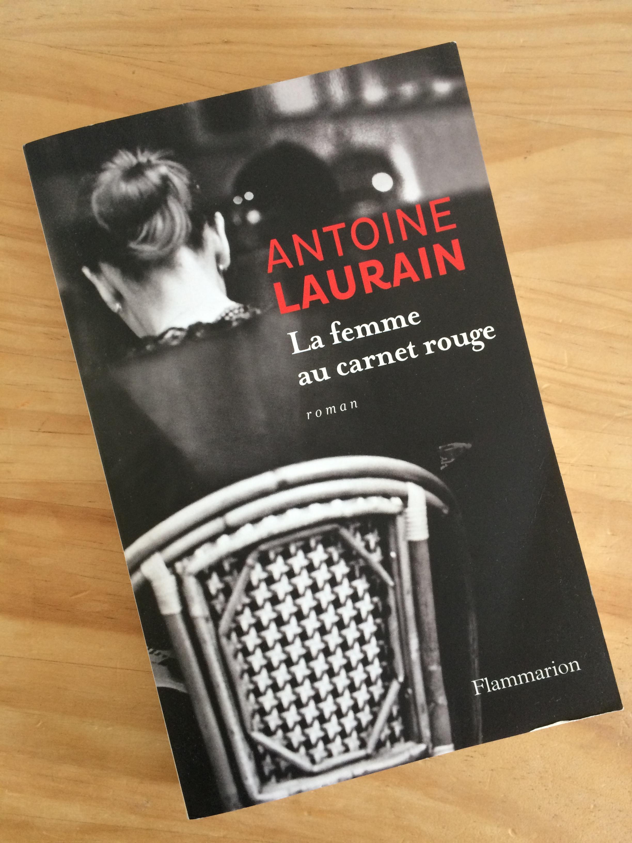 La femme au carnet rouge, Antoine Laurain.jpg